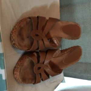 Size 10 Enzo Brown leather wedges